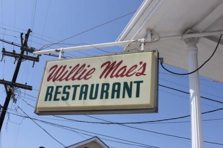 Willi Mae Sign